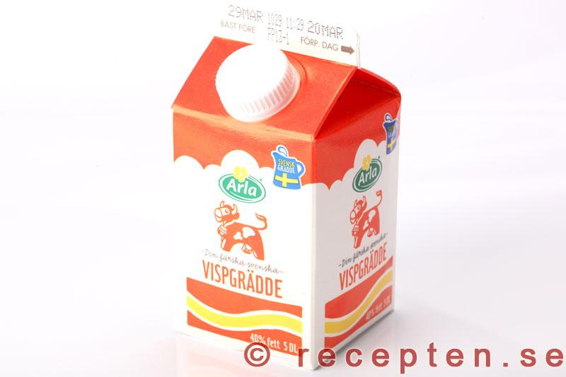 hur gör man grädde av mjölk