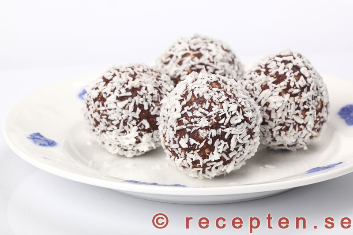 chokladbollar rullade i pärlsocker
