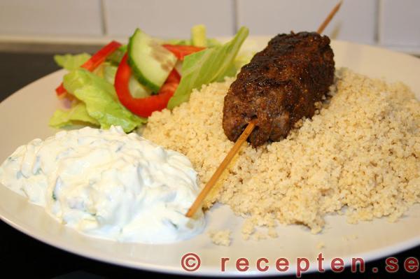 grillade grekiska färsspett recept