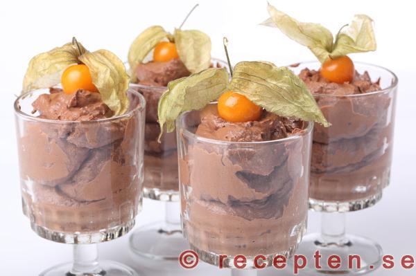 chokladmousse äggvita grädde