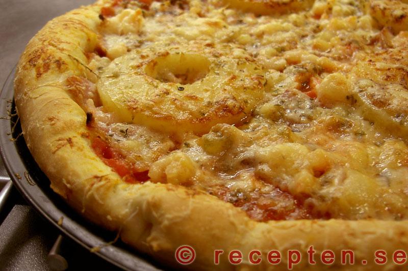 pizzadeg med bakpulver och olja