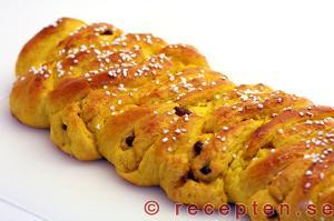 recept saffransbröd, längder och flätor