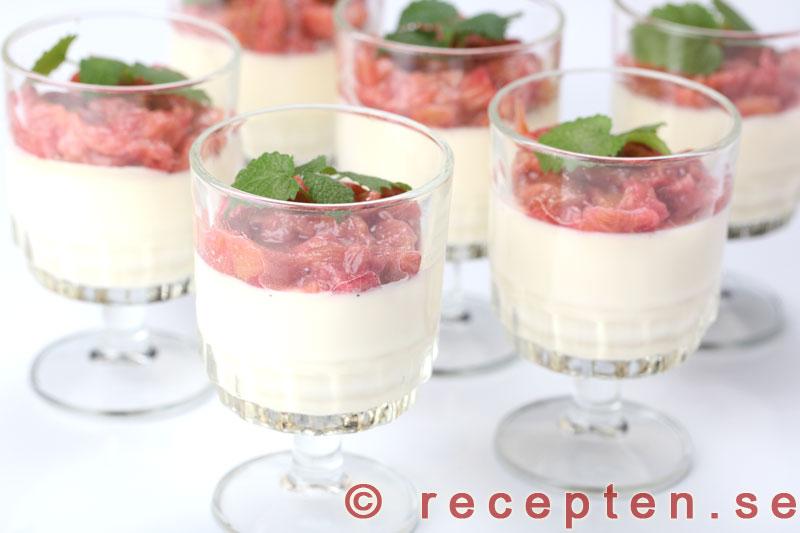 pannacotta rabarber recept
