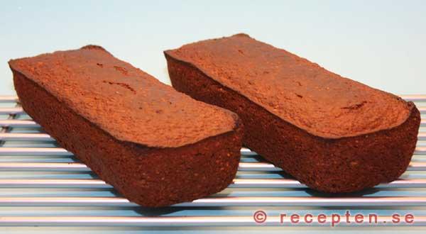 Färdigt mörkt bröd