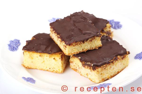 kakor med mandelmassa och choklad