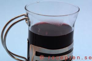 glögg serverad i glögg-glas