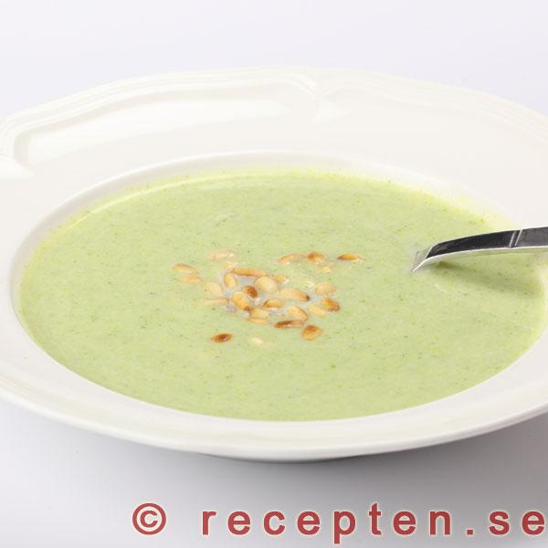 broccolisoppa fryst broccoli